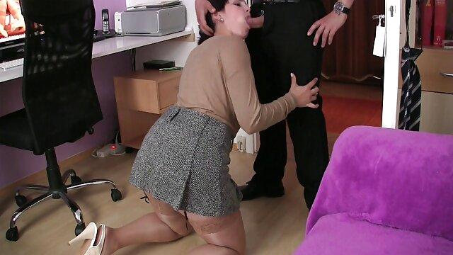 Ingyen pornó nincs regisztráció  Kharkov lány Nikki Benz kap munkát oreg szoros pina az amerikai punci.