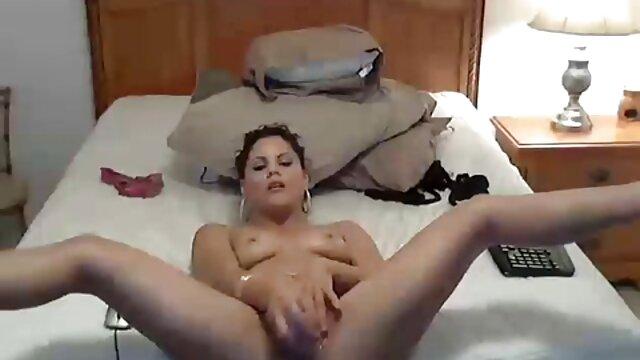 Ingyen pornó nincs regisztráció  Julia fun szőrös pinába élvezés bemutatása. mp4